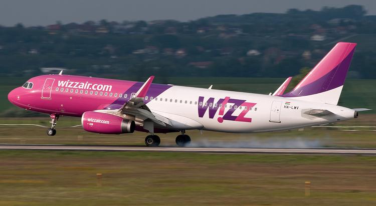 090aa56b43f4 Egy szó szerint apró újdonságot vezetett be a Wizz Air. Mivel a priority  boarding megvásárlását a fix ülőhelyek megjelenése óta semmi nem indokolja,  ...