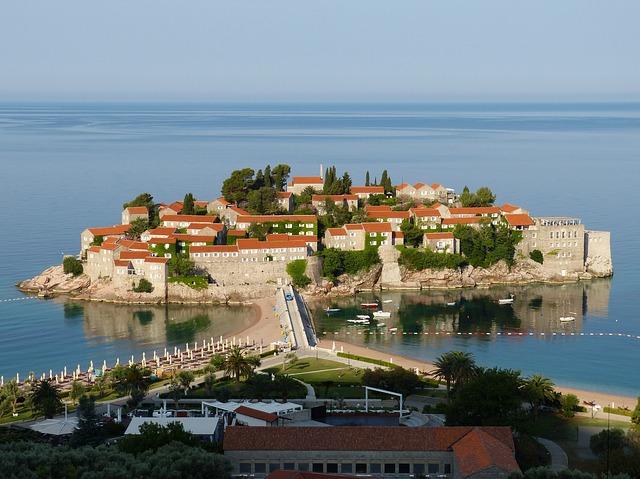 Válaszd Montenegrót júliusban! Egy hét Budvában, szállással és repülőjeggyel 66.400 Ft-ért