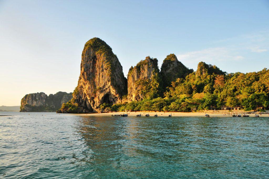 13 nap Thaiföld, Krabi, 4 csillagos szállással és repjeggyel: 259.400 Ft-ért!