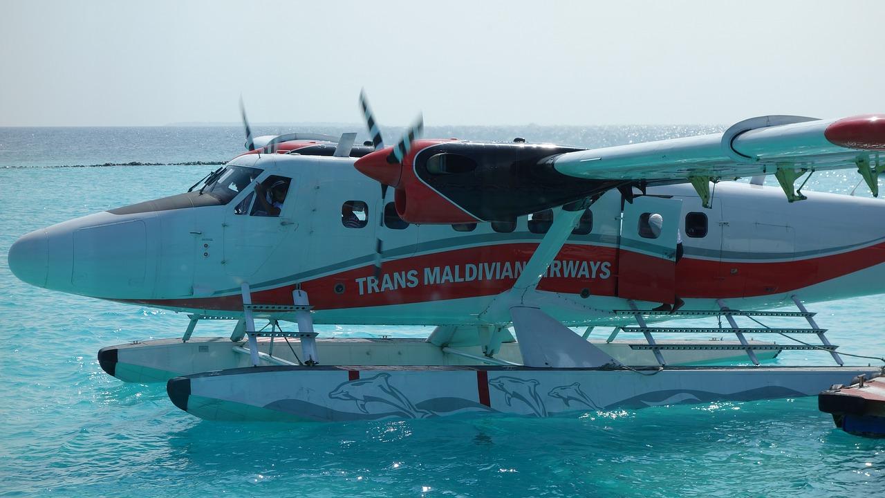 aircraft-1908117_1280 Maldív-szigetek - Praktikus tanácsok!