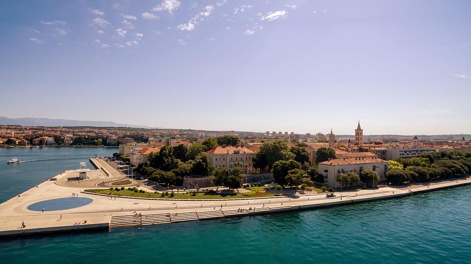 1 hetes nyaralás Horvátországban július közepén repjeggyel, szállással 48.500 Ft-ért!