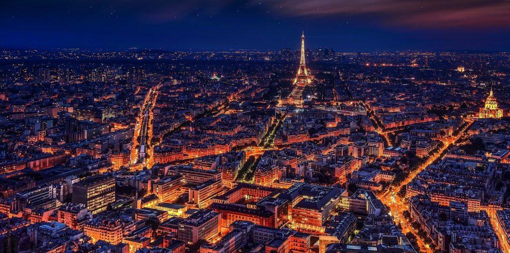 Örök romantikusoknak: tavaszi hétvége Párizsban repjeggyel, 2 éj szállással 32.700 Ft-ért!