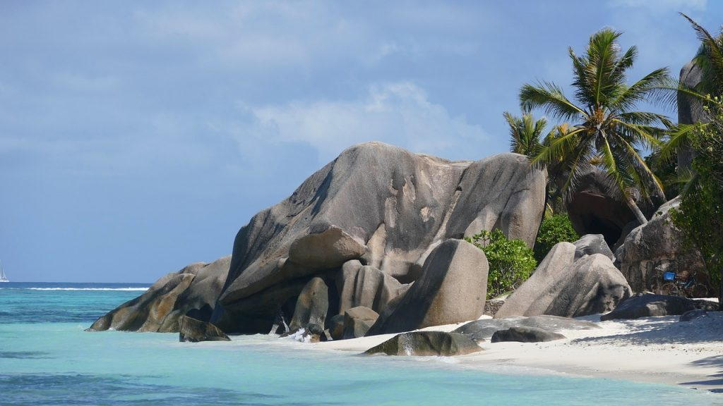 Álomnyaralás: 10 nap Seychelle-szigeteken, 3 csillagos mesés szállással és repjeggyel: 279.350 Ft-ért!