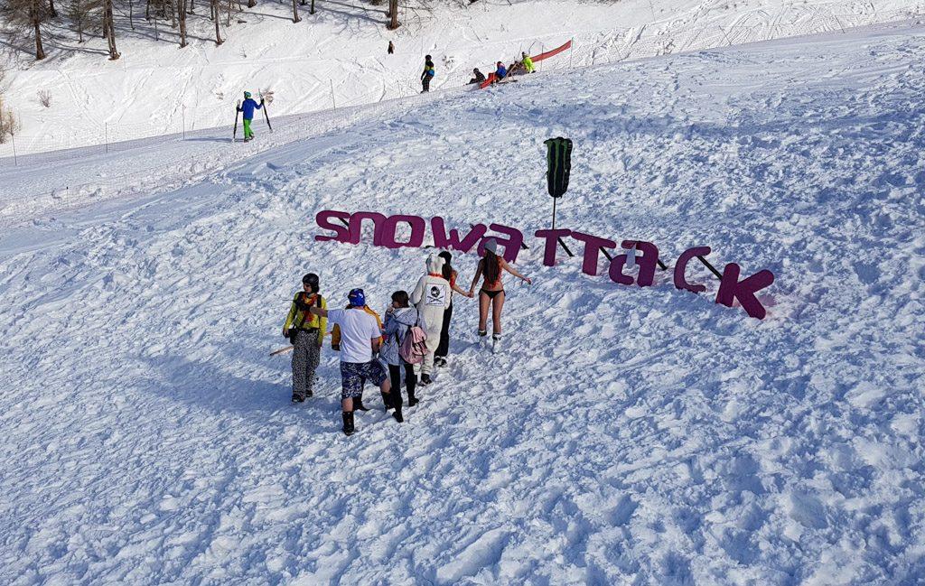 Snowattack felirat