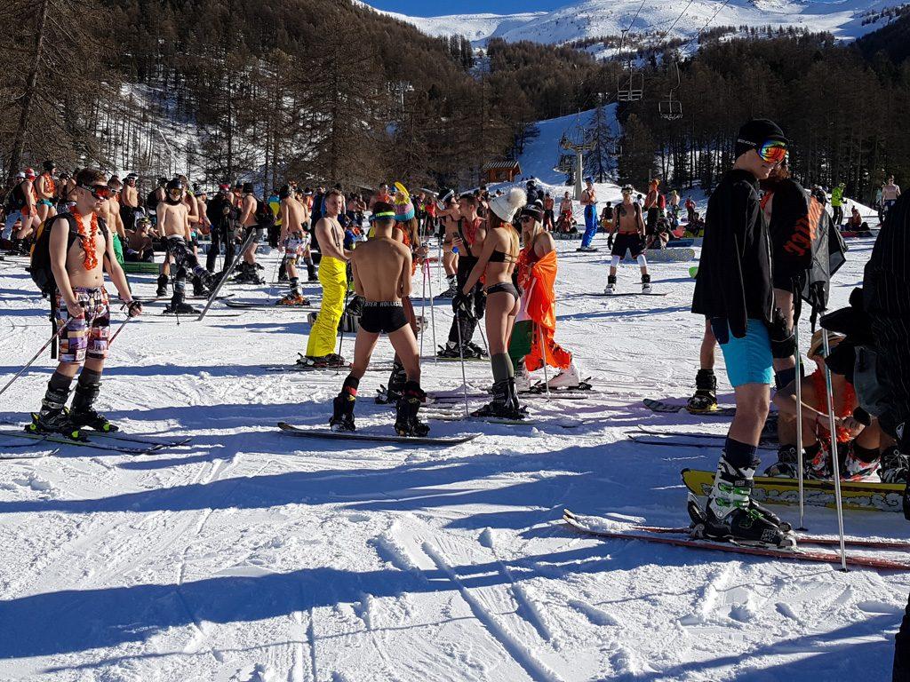 Snowattack Bikinis Lecsúszás 4