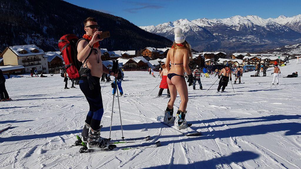 Snowattack Bikinis Lecsúszás 3