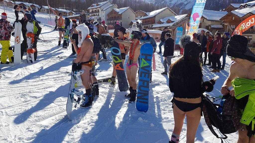 Snowattack Bikinis Lecsúszás 2