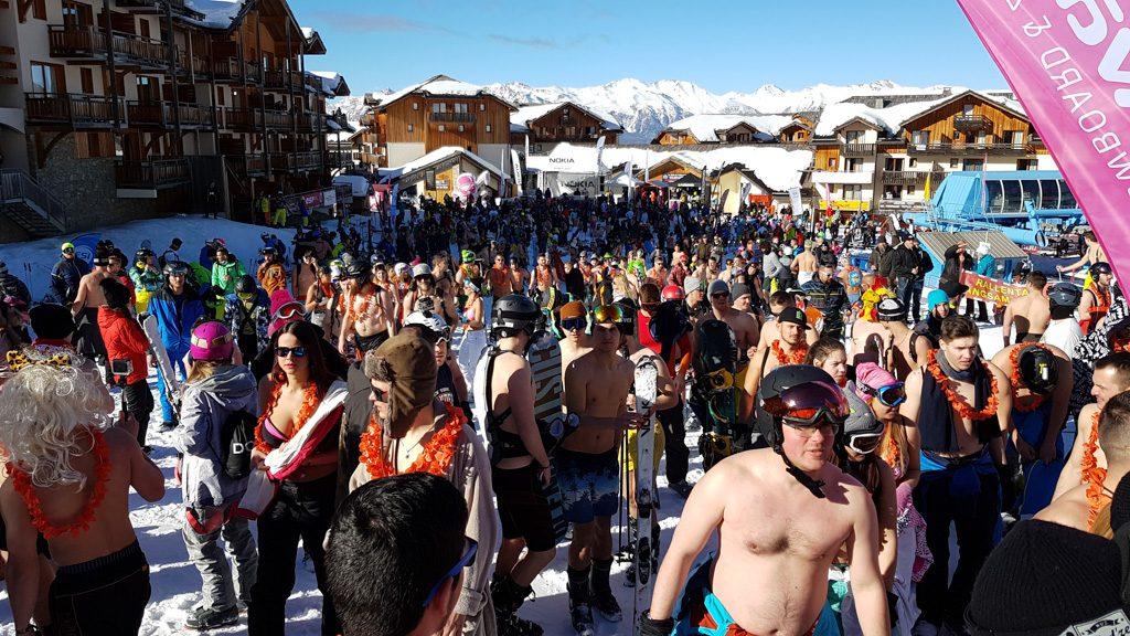 Snowattack Bikinis Lecsúszás csoportkép