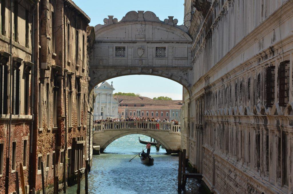 10 érdekes híd