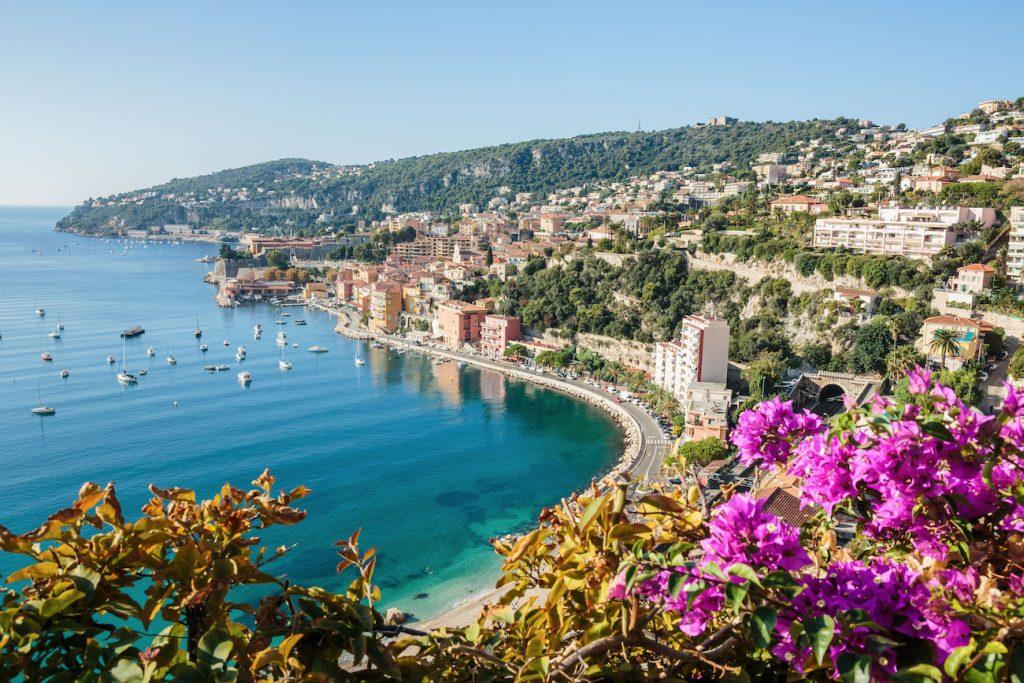 Ne hagyd ki: Retúr repülőjegy a Francia Riviérára 9.800 Ft-ért!