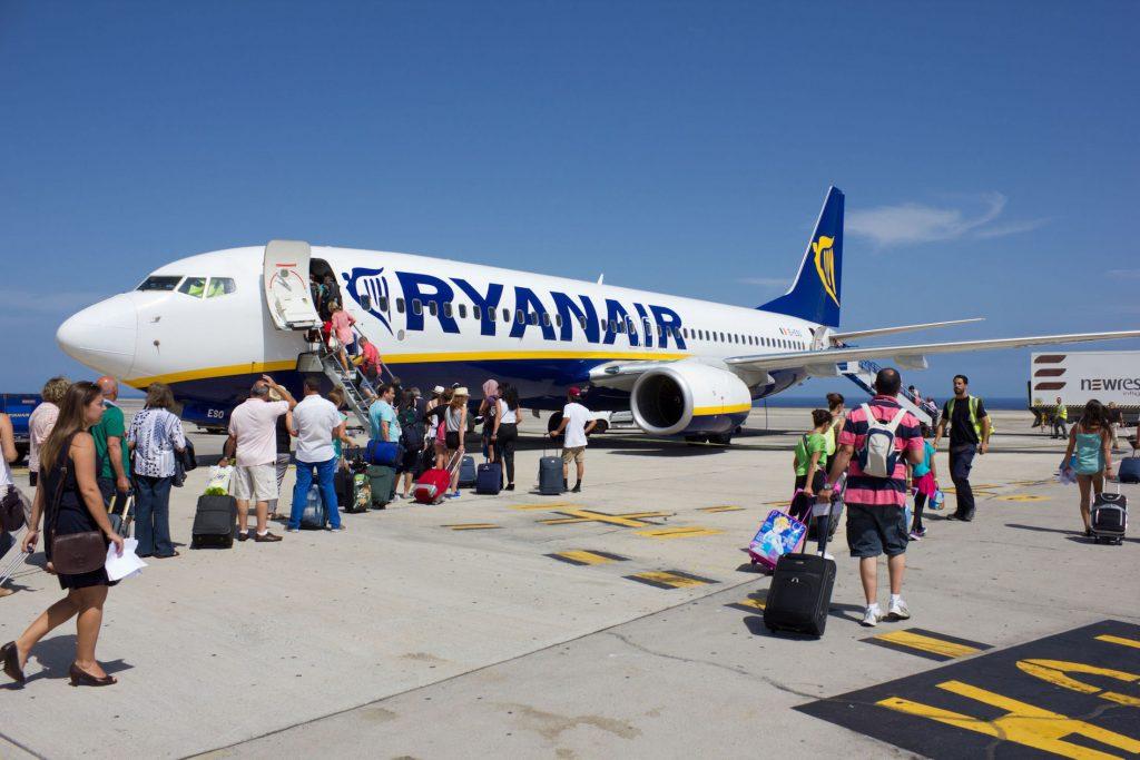 A Ryanair kézipoggyász szabályzata - mit és mennyit vihetek ... 522dcb8068