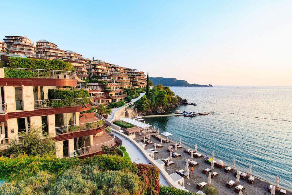Egy hét nyaralás Budvában FŐSZEZONBAN, Montenegróban, szállással 50.250 Ft-ért!