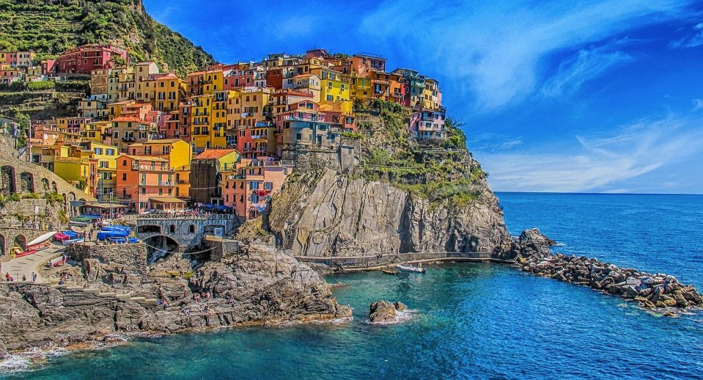 Cinque Terre, Five lands, Italian Riviera, Italy, top travel, best destination for vacation, vacation, beach, sea, fishing village, city, village, Monterosso, Vernazza, Corniglia, Manarola, Riomaggiore, mountain