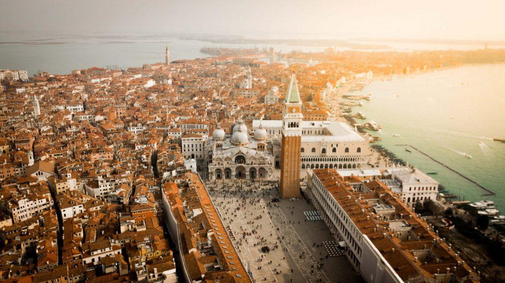 Fuss maratont Velencében! Repjegy és reggelis szállás 4 napra, a verseny idejére 56.900 Ft-ért!