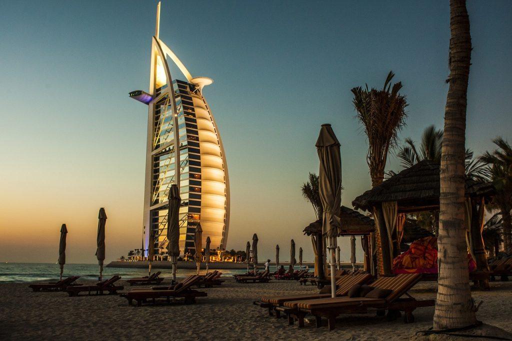 6 nap luxus Dubaj 4 csillagos tetőtéri medencés szállással 96.580 Ft-ért!