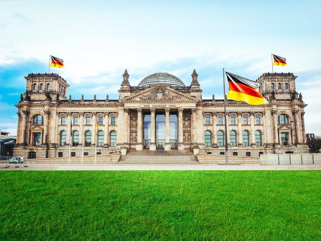 Szuperolcsó tavaszi hétvége Berlinben: retúr repjegy + egy éj szállás 12.500 Ft-ért!