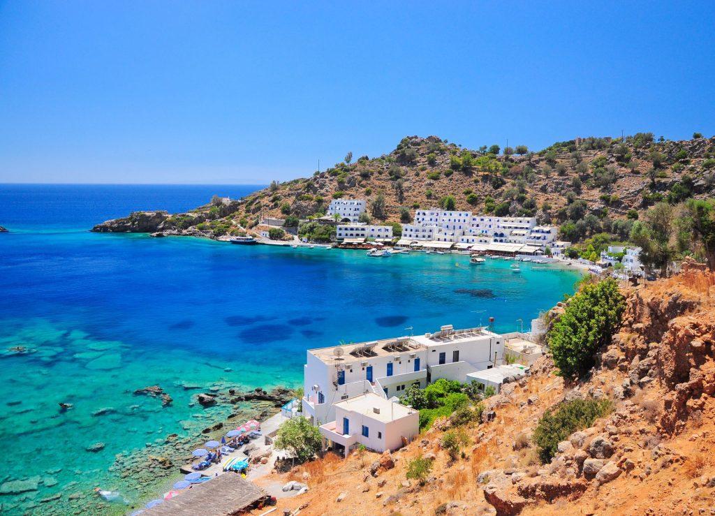 8 nap Krétán medencés szálláson, repülővel 44.400 Ft-ért.