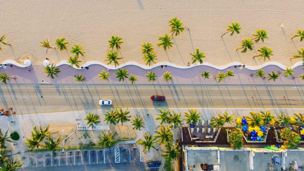 10 nap Miami jó átszállási időkkel, medencés Hilton hotellel jövő nyáron 191.600 Ft-ért!