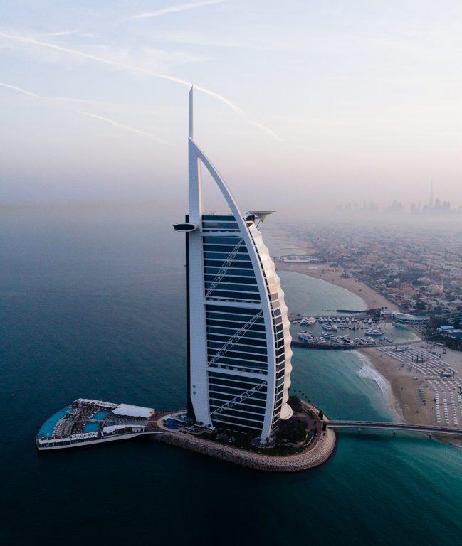 Hány havi fizudból jönne ki ez az út? Emirates retúr repjegy Dubajba és 4 éj a Burj Al Arab hotelben, a világ egyetlen hétcsillagos szállásán!