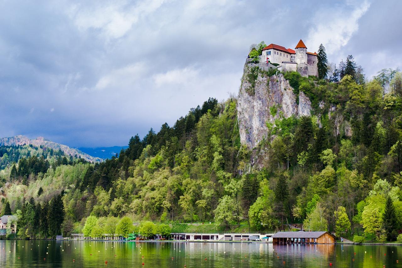 Bledi-tó vár