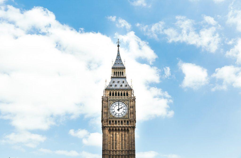 Halomban állnak a retúr repülőjegyek Londonba szept-dec között 7.280 Ft-ért!
