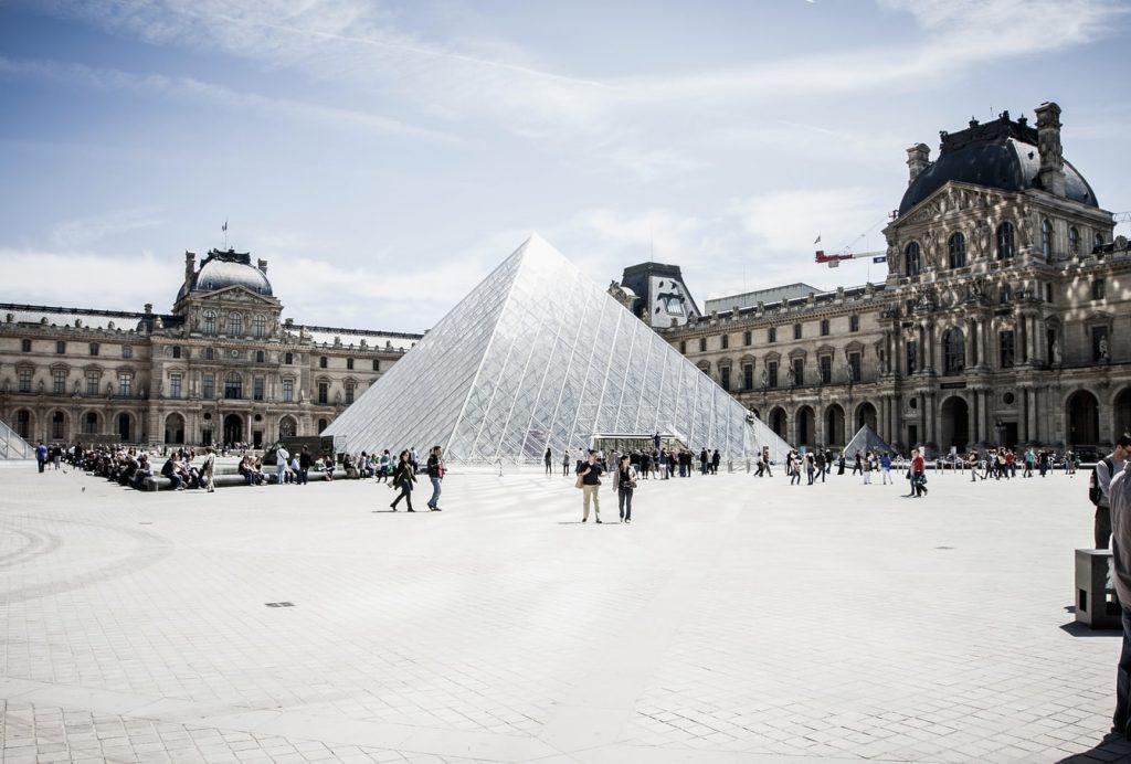 5 nap Párizs 3 csillagos hotellel, repülővel 42.130 Ft-ért!