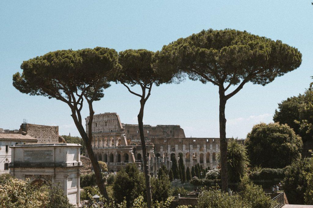 Mennyi?? Módosítható retúr repülőjegy Rómába 8.860 Ft-ért!