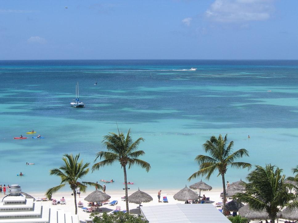 Télből nyárba még most gyorsan: 9 nap Aruba 266.500 Ft-ért!