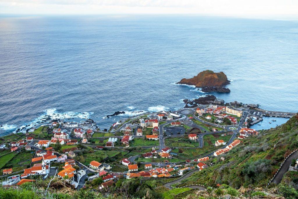 Irány Madeira! Egy hetes kirándulás az örök tavasz szigetére 73.800 Ft-ért!