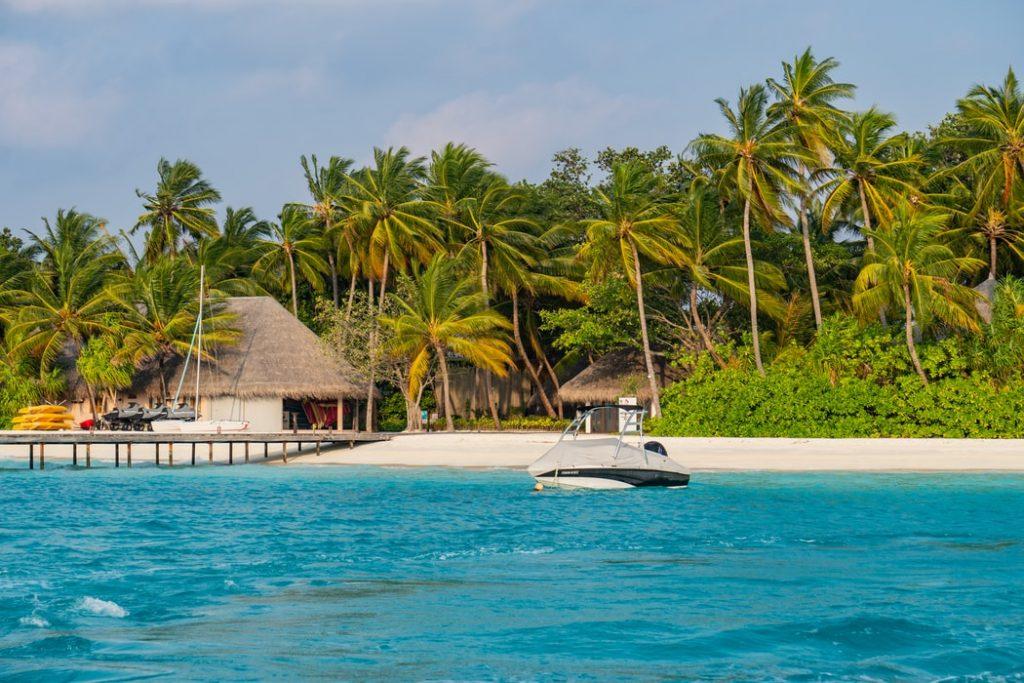Menekülj a hullámok elől a valódi hullámokba! 9 napos álomutazás a Maldív-szigetekre 275.000 Ft-ért!