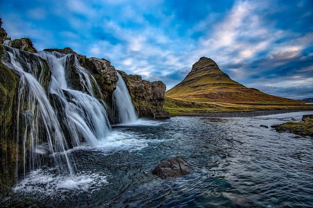 Nézz sarki fényt! Egy hetes utazás Izlandra 75.400 Ft-ért!