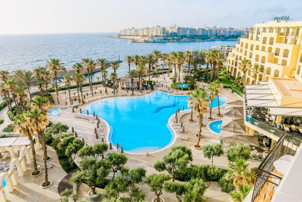 Pénztárcabarát nyaralás csúcsszezonba Máltán: 1 hetes utazás medencés szállással, reggelivel, repülővel 68.600 Ft-ért!