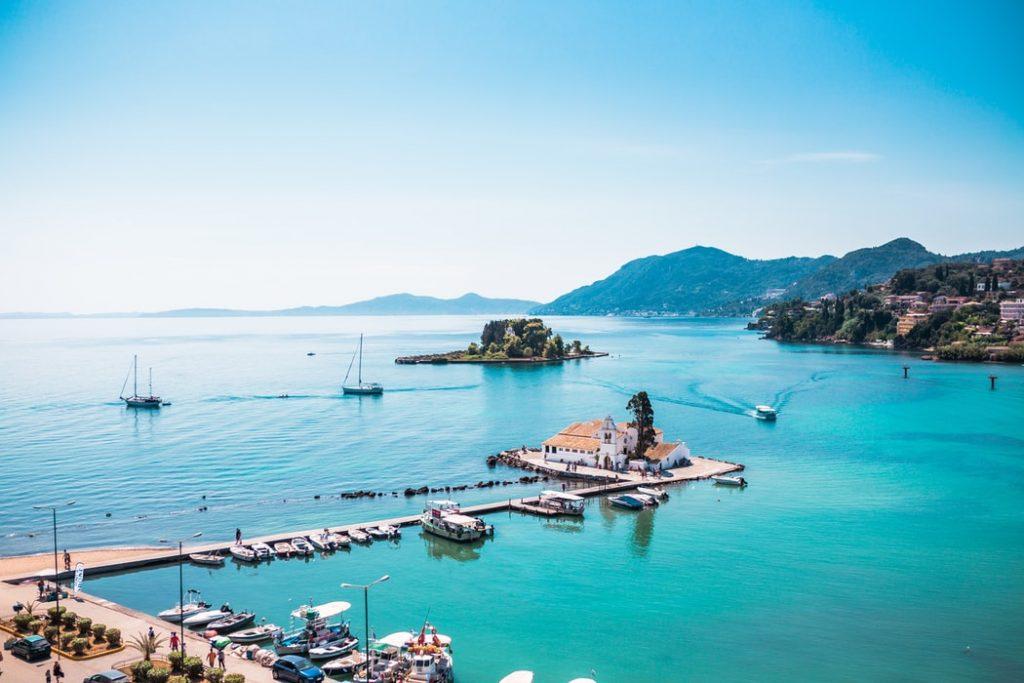 Egy hetes főszezoni Korfu medencés szállással, repülővel 70.400 Ft-ért!