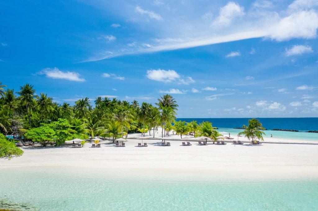 Egy hetes utazás a Maldív-szigetek egyik legkedveltebb hotelébe, a Kuredu-ba teljes ellátással, Emirates légitársasággal 554.900 Ft-ért!