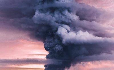 Kitört az Agung vulkán Balin, rengeteg repülőjáratot töröltek