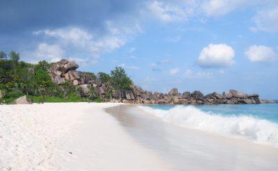 Napozz a világ legszebb tengerpartján a Seychelle-szigeteken! 10 napos utazás 291.800 Ft-ért!