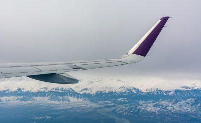 Gondolkoztál már azon, hogy miért van lyuk a repülőgép ablakán? Eláruljuk!