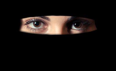BREAKING: Imádkozni kezdett egy muszlim utas a Liszt Ferenc repülőtéren – kiürítették a terminált!