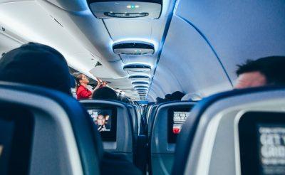 11 dolog, amit soha, de soha ne csinálj a repülőgépen!