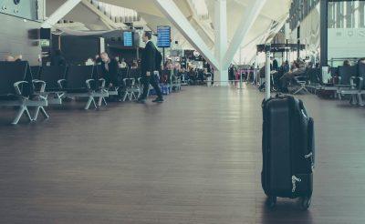 Tisztázzuk: Mit tehetsz, ha a feladott poggyászod nélkül kellene utaznod?