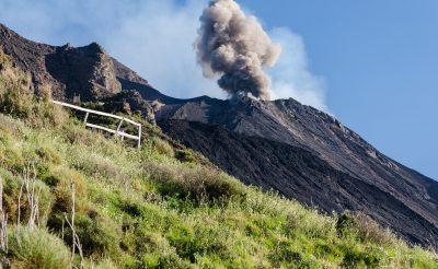 A világ egyik legaktívabb vulkánja, nincs is olyan messze tőlünk