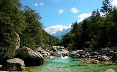 Festői tavak, szurdokok és vízesések mellett hűsölhetünk Szlovéniában