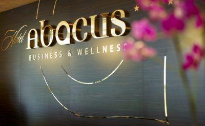 42. hét hotele – Abacus Hotel