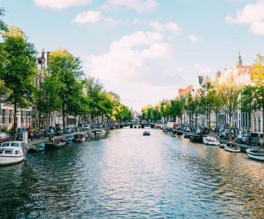 Retúr repülőjegy Amszterdamba 22.000 Ft-ért májusban!