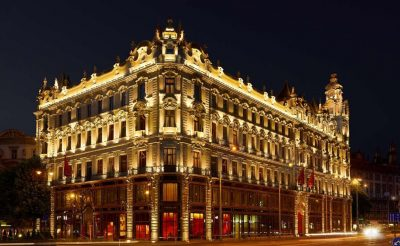 Bezár Budapest egyik különleges öt csillagos szállodája!
