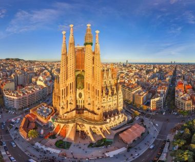 Elképesztő: 38.750 Ft-ért 4 nap Barcelonában hétvégén, központi reggelis szállással és repjeggyel!