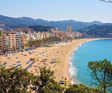 8 napos nyaralás FŐSZEZONBAN Costa Brava-n, Lloret de Mar, szállással és repjeggyel: 89.500 Ft-ért!