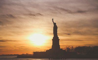 BREAKING: Bezárja magát az Egyesült Államok!