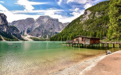 Bakancslistára való a Dolomitok legnagyobb tava, a Lago di Braies