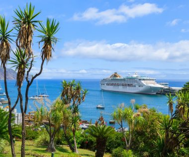 Irány az örök tavasz szigete: Madeira, 8 nap, szállással és repjeggyel: 78.950 Ft-ért!